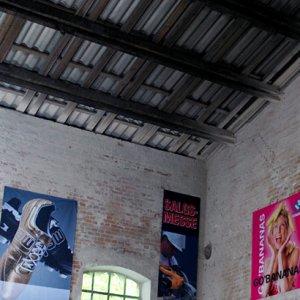 In store banners i tekstil med tryk