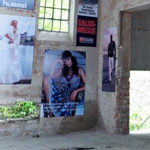 Banner til butik i stof med tryk